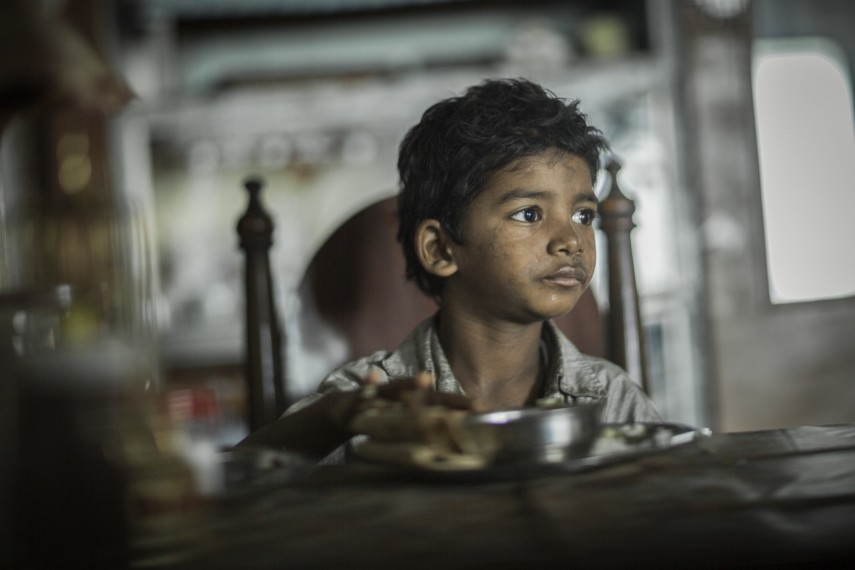/db_data/movies/lion/scen/l/410_01_-_Young_Saroo_Bierley_S.jpg