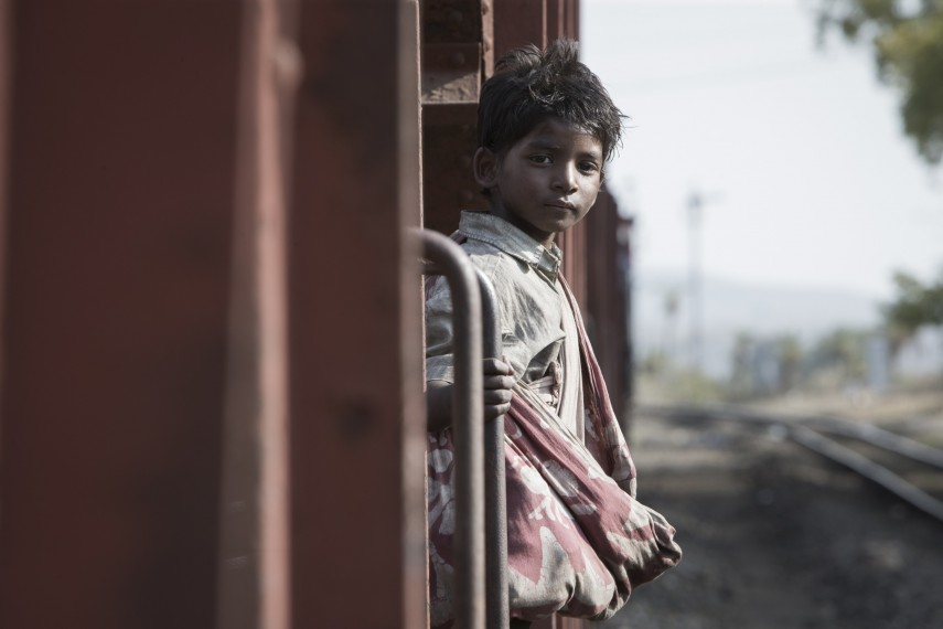 /db_data/movies/lion/scen/l/410_09_-_Young_Saroo_Brierley_.jpg