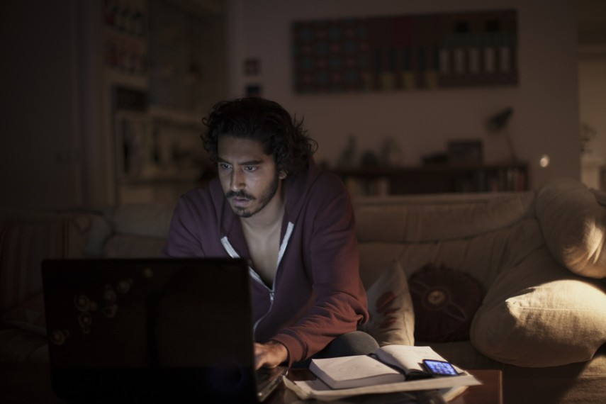 /db_data/movies/lion/scen/l/410_11_-_Saroo_Brierley_Dev_Pa.jpg