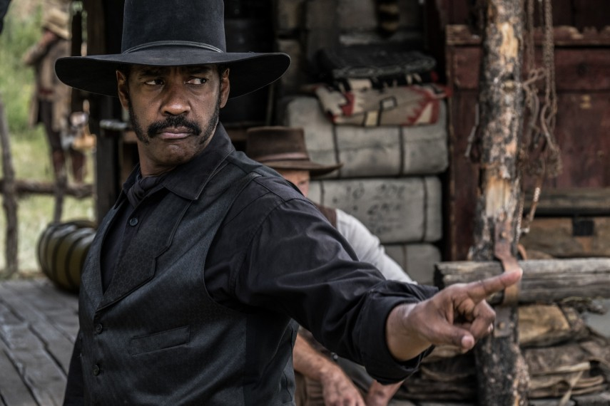 /db_data/movies/magnificentseven/scen/l/410_03_-_Sam_Chisolm_Denzel_Wa.jpg