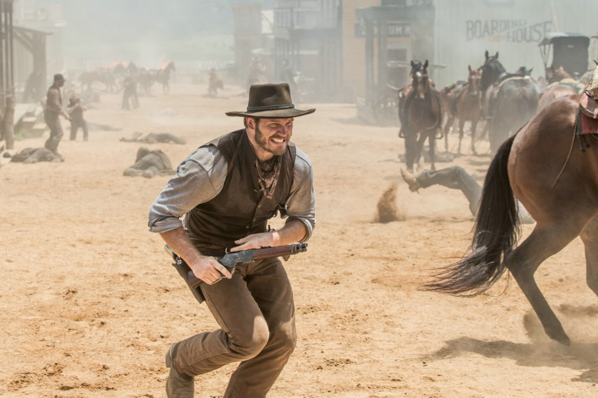 /db_data/movies/magnificentseven/scen/l/410_14_-_Josh_Farraday_Chris_Pratt.jpg