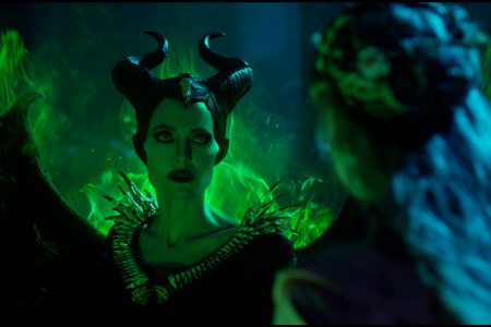 410_05_-_Maleficent_Angelina_J.jpg