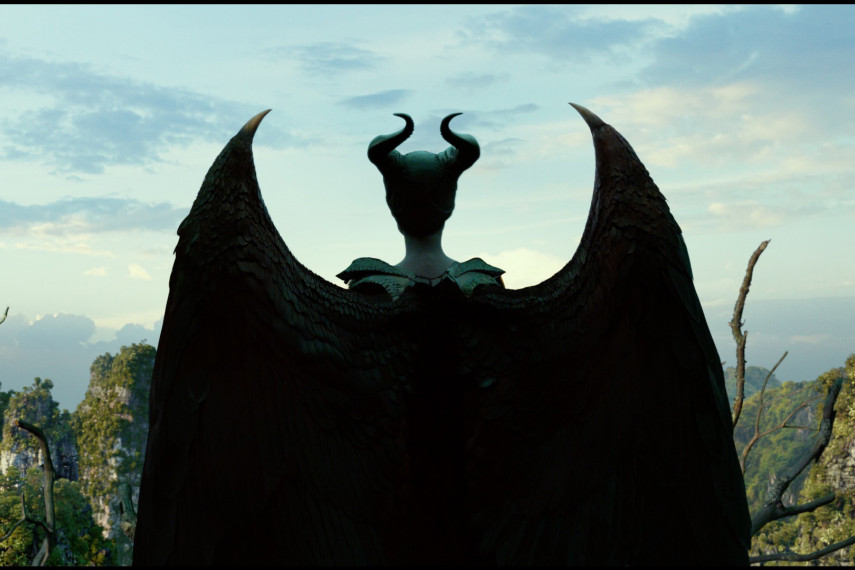 /db_data/movies/maleficent2/scen/l/410_01_-_Maleficent_Angelina_Jolie_ov_org.jpg