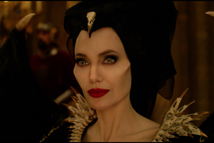 /db_data/movies/maleficent2/scen/l/410_03_-_Maleficent_Angelina_Jolie_ov_org.jpg