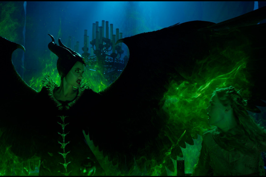 /db_data/movies/maleficent2/scen/l/410_04_-_Maleficent_Angelina_Jolie_ov_org.jpg