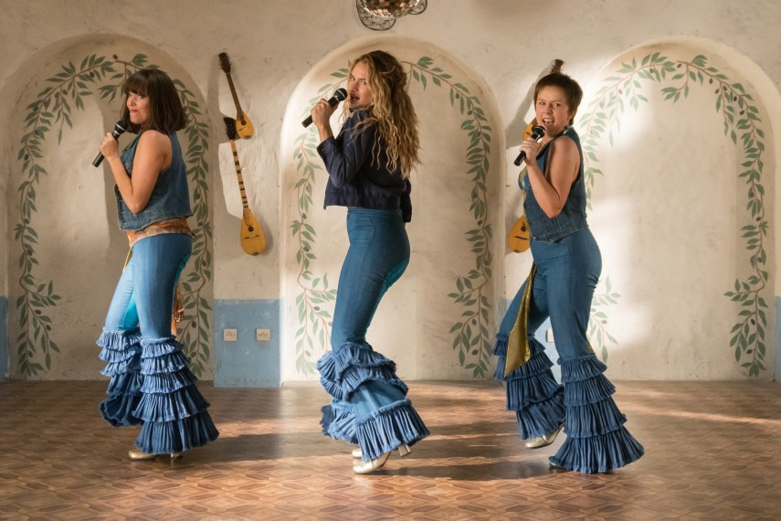 /db_data/movies/mammamia2/scen/l/410_01_-_Young_Rosie_Alexa_Dav.jpg