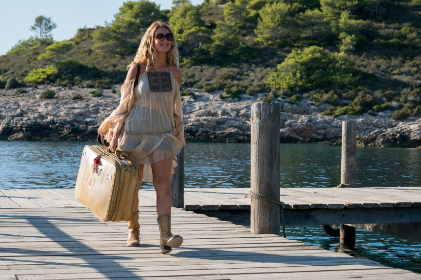 /db_data/movies/mammamia2/scen/l/410_03_-_Young_Donna_Lily_James.jpg