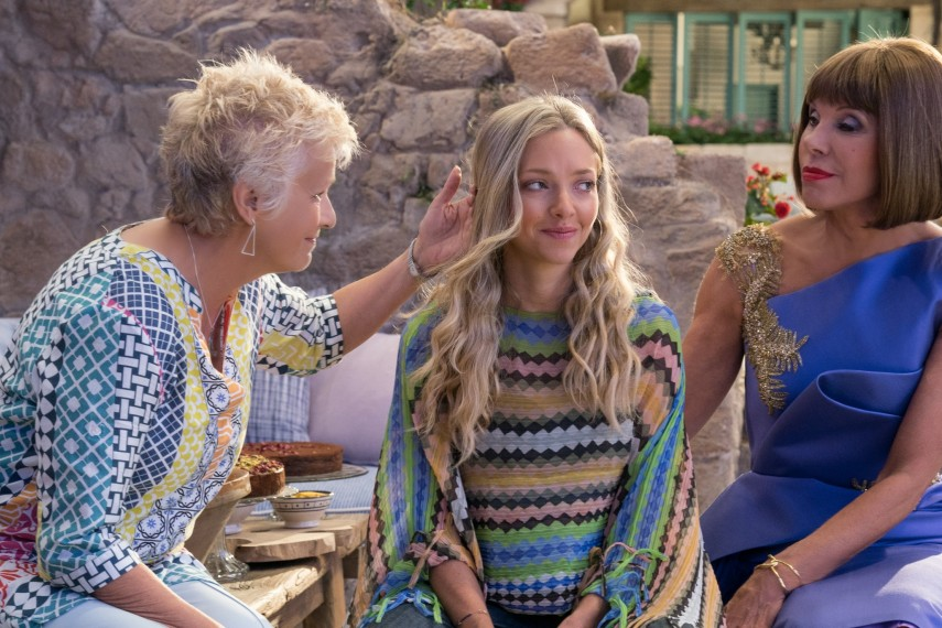/db_data/movies/mammamia2/scen/l/410_04_-_Rosie_Julie_Walters_S.jpg