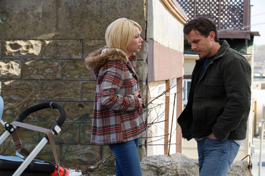 /db_data/movies/manchesterbythesea/scen/l/Michelle_Williams_and_Casey_Af.jpg