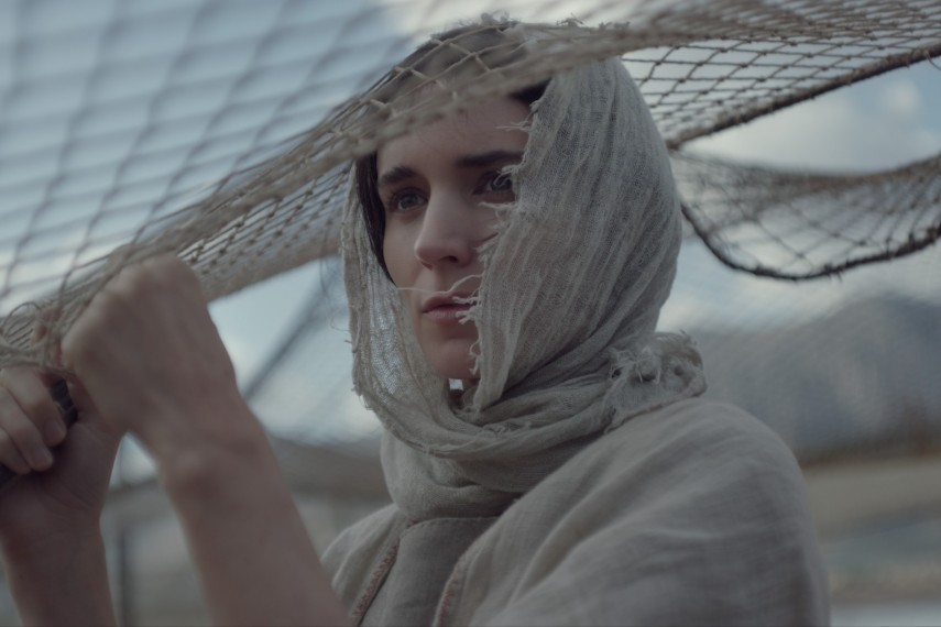 /db_data/movies/marymagdalene/scen/l/410_01_-_Mary_Rooney_Mara.jpg