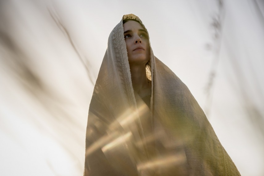 /db_data/movies/marymagdalene/scen/l/410_03_-_Mary_Rooney_Mara.jpg