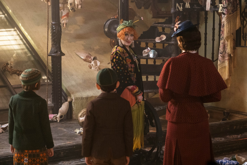 /db_data/movies/marypoppinsreturns/scen/l/410_15_-_Topsy_Meryl_Streep.jpg
