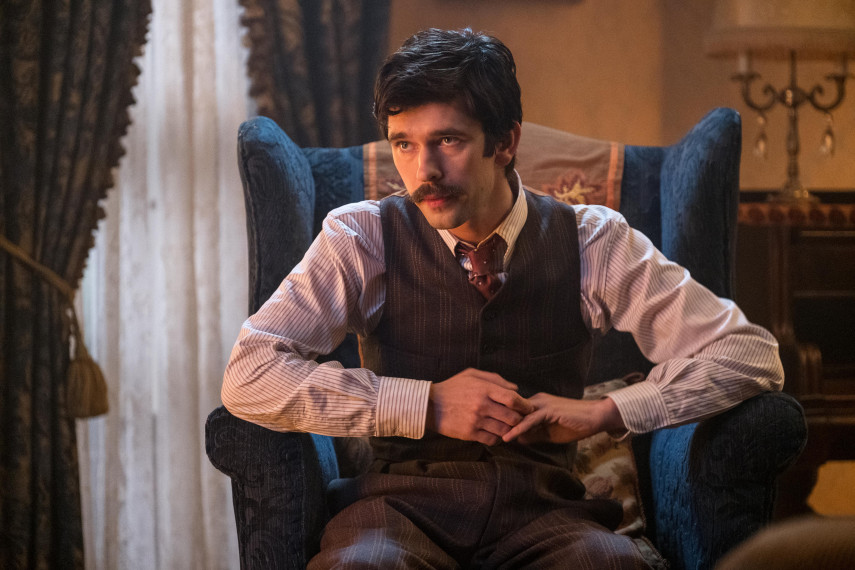 /db_data/movies/marypoppinsreturns/scen/l/410_21_-_Michael_Ben_Whishaw.jpg