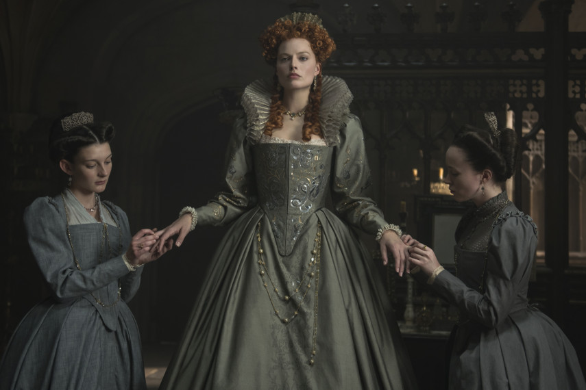 /db_data/movies/maryqueenofscots2017/scen/l/410_02_-_Elizabeth_Margot_Robbie.jpg