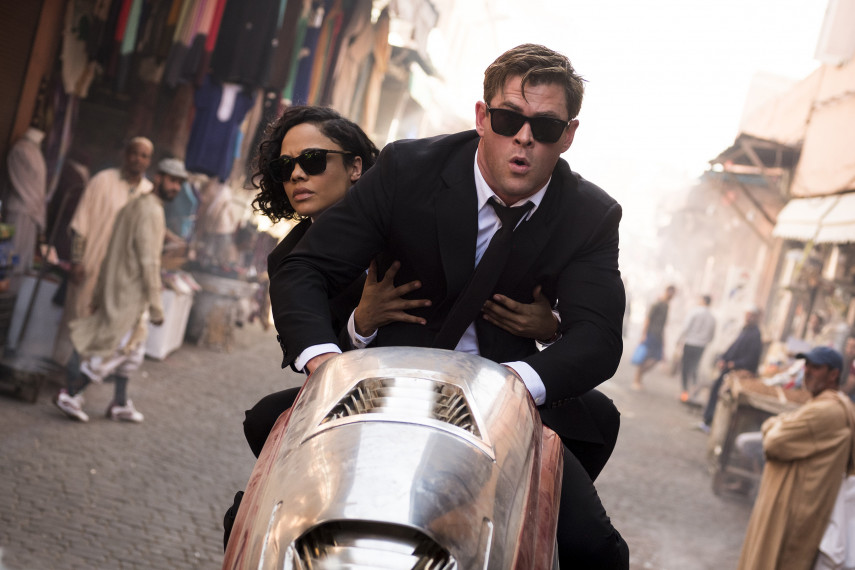 /db_data/movies/meninblack4/scen/l/MIB_09.jpg