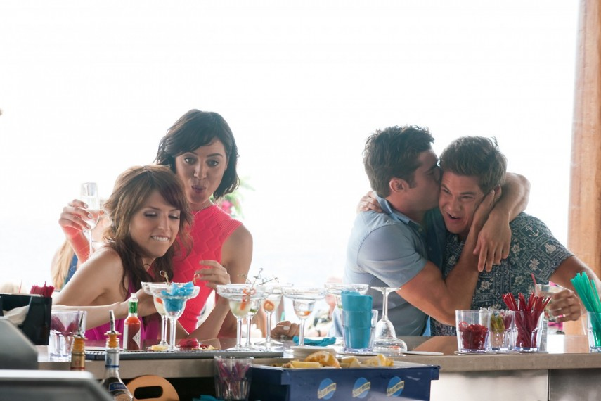 /db_data/movies/mikeanddaveneedweddingdates/scen/l/457-Picture2-803.jpg
