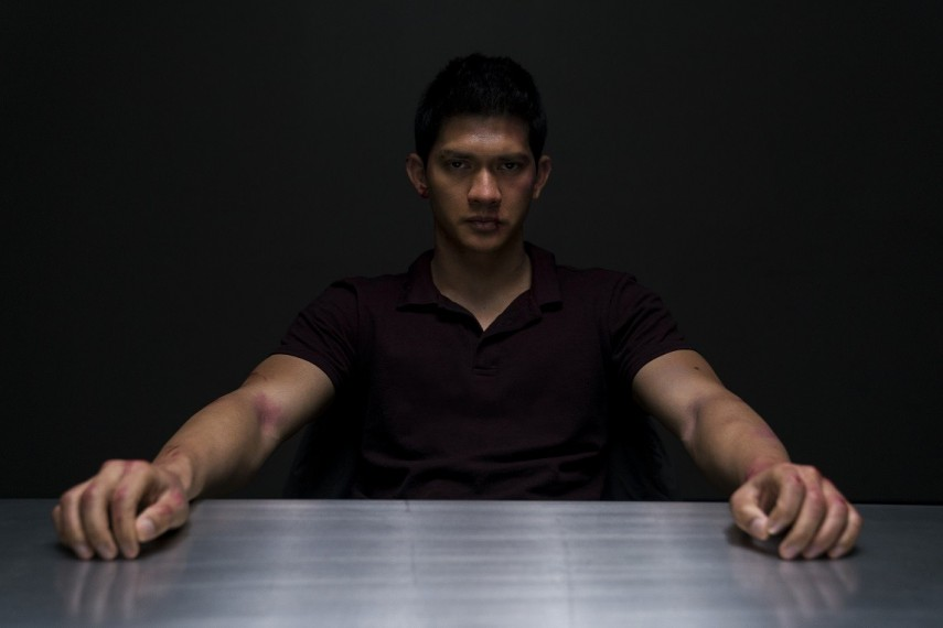 /db_data/movies/mile22/scen/l/410_03_-_Li_Noor_Iko_Uwais_.jpg