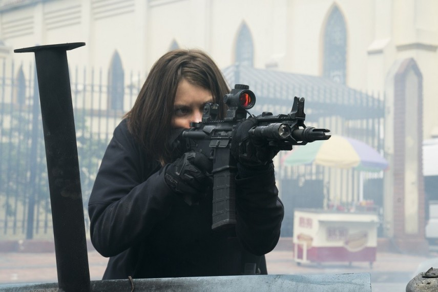 /db_data/movies/mile22/scen/l/410_05_-_Alice_Lauren_Cohan.jpg