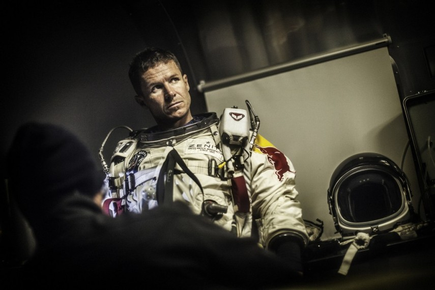 /db_data/movies/missiontotheedgeofspace/scen/l/red_bull_stratos_2.jpg