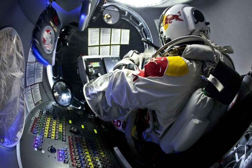 /db_data/movies/missiontotheedgeofspace/scen/l/red_bull_stratos_3.jpg