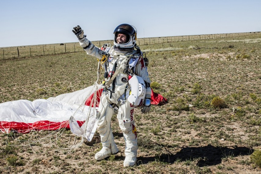 /db_data/movies/missiontotheedgeofspace/scen/l/red_bull_stratos_5.jpg