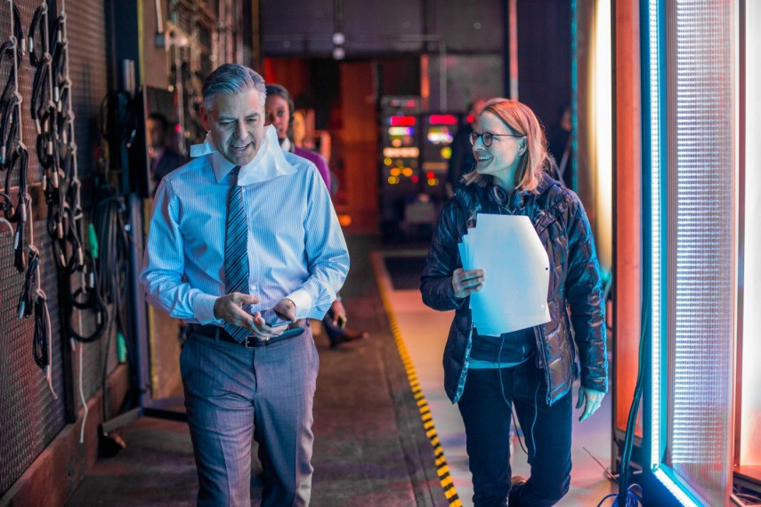 /db_data/movies/moneymonster/scen/l/420_01_-_George_Clooney_with_D.jpg