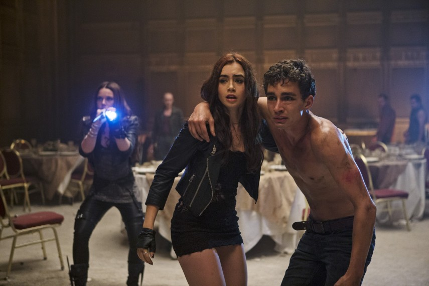 /db_data/movies/mortalinstruments/scen/l/DF-02570_ret_org.jpg
