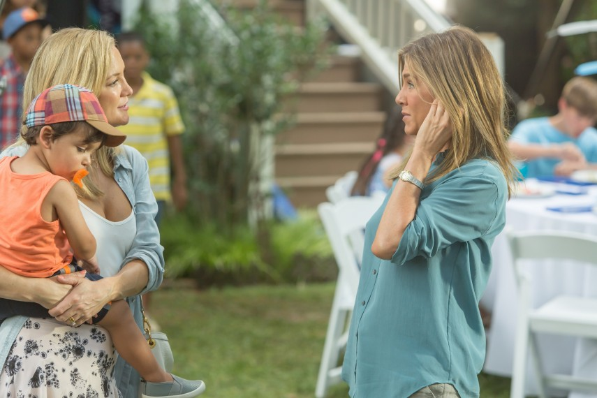 /db_data/movies/mothersday/scen/l/410_05_-__Jesse_Kate_Hudson_Sa.jpg