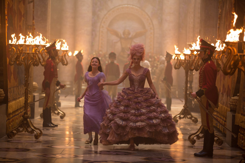 /db_data/movies/nutcrackerandthefourrealms/scen/l/410_05_-_Clara_Mackenzie_Foy_S_1.jpg