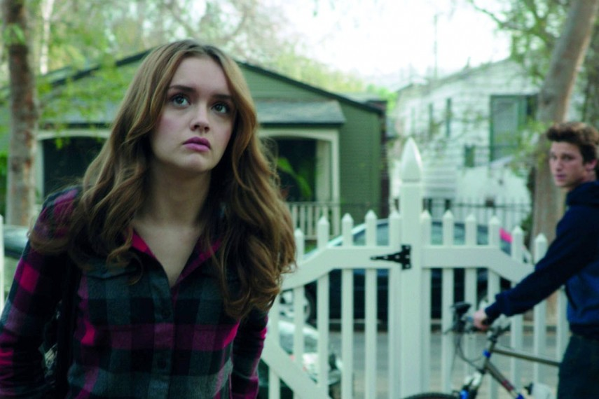 /db_data/movies/ouija/scen/l/Laine_Morris_Olivia_Cooke_and_.jpg