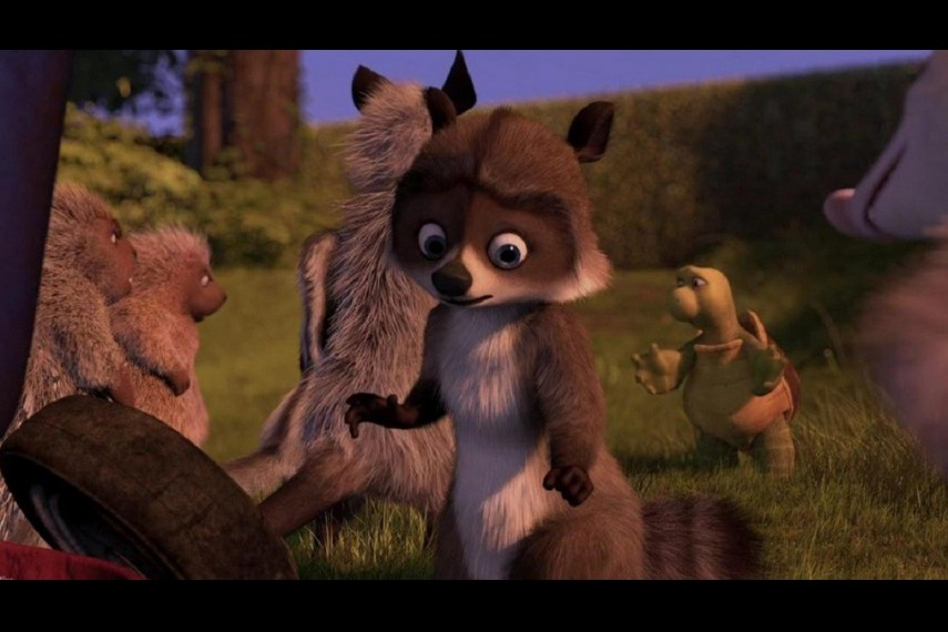 /db_data/movies/overthehedge/scen/l/Over_the_Hedge_RJ_Almost_Getting_Caught.jpg