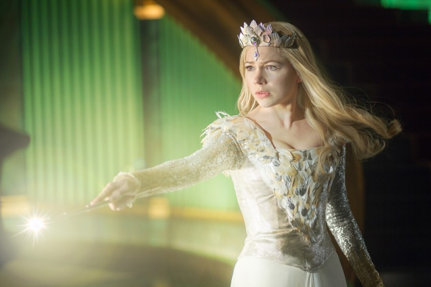/db_data/movies/ozthegreatandpowerful/scen/l/OZ_11006_R.jpg