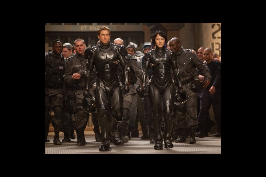 /db_data/movies/pacificrim/scen/l/1-Picture1-806.jpg
