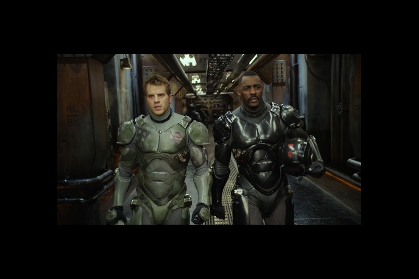 /db_data/movies/pacificrim/scen/l/1-Picture27-f8c.jpg