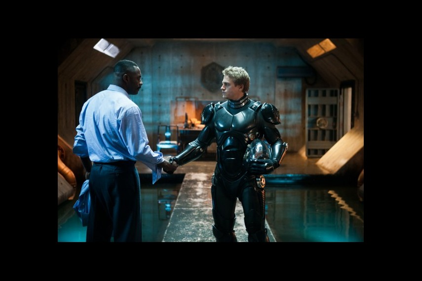 /db_data/movies/pacificrim/scen/l/1-Picture3-375.jpg