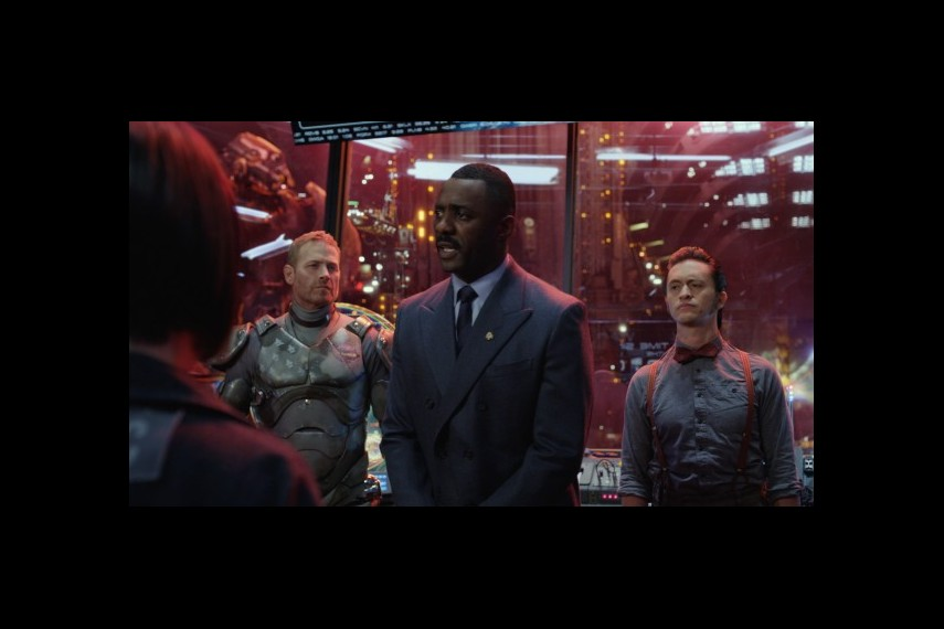 /db_data/movies/pacificrim/scen/l/1-Picture32-e45.jpg