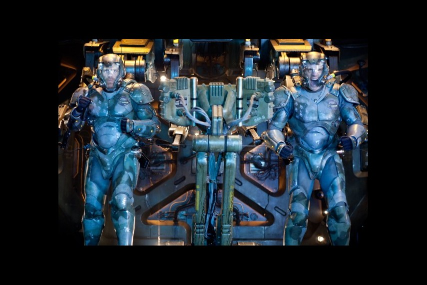 /db_data/movies/pacificrim/scen/l/1-Picture56-39e.jpg