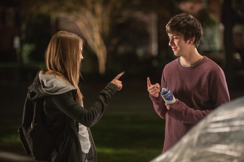 /db_data/movies/papertowns/scen/l/1-Picture2-068.jpg