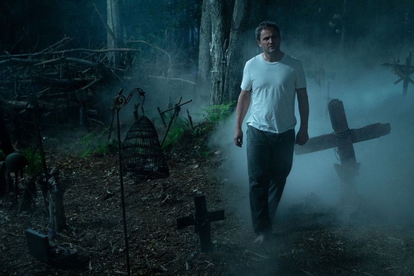 /db_data/movies/petsematary/scen/l/410_25_-_Louis_Jason_Clarke_ov_org.jpg