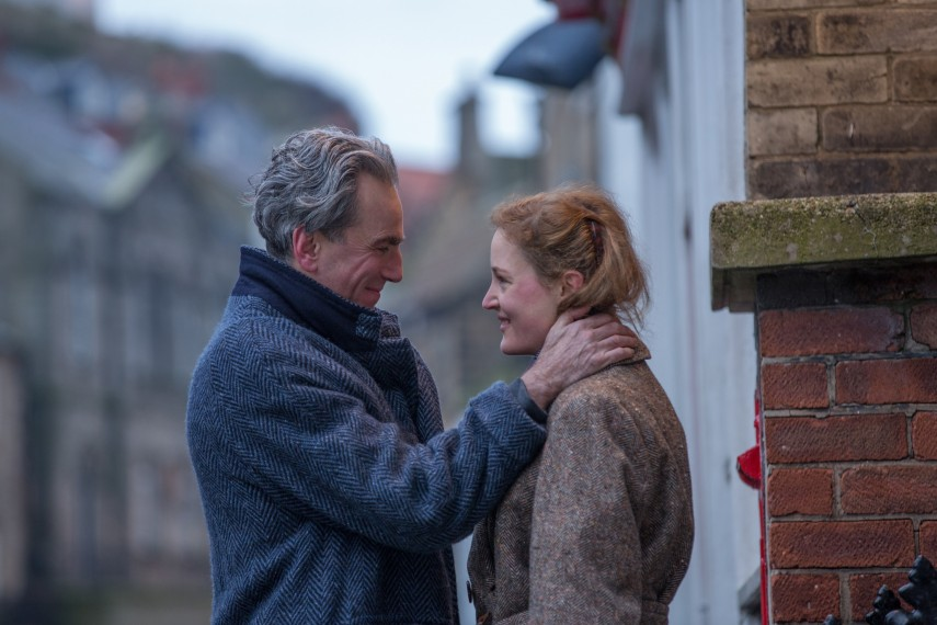 /db_data/movies/phantomthread/scen/l/UPTA_01423_R.jpg