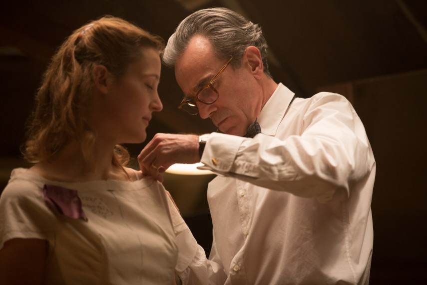 /db_data/movies/phantomthread/scen/l/UPTA_02826_R.jpg