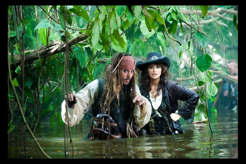 /db_data/movies/piratesofthecaribbean4/scen/l/Pirates-of-the-Caribbean-On-St.jpg