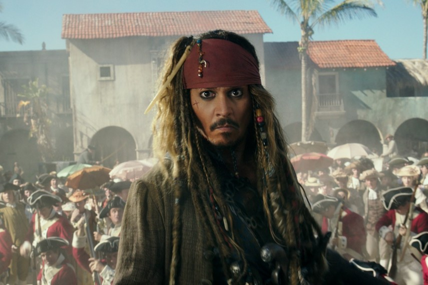 /db_data/movies/piratesofthecaribbean5/scen/l/410_01_-_Captain_Jack_Sparrow_Johnny_Depp.jpg