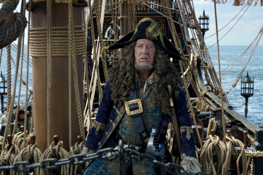 /db_data/movies/piratesofthecaribbean5/scen/l/410_02_-_Barbossa_Geoffrey_Rush.jpg