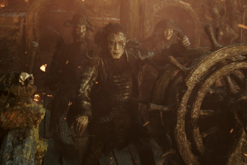/db_data/movies/piratesofthecaribbean5/scen/l/410_04_-_Captain_Salazar_Javier_Bardem.jpg