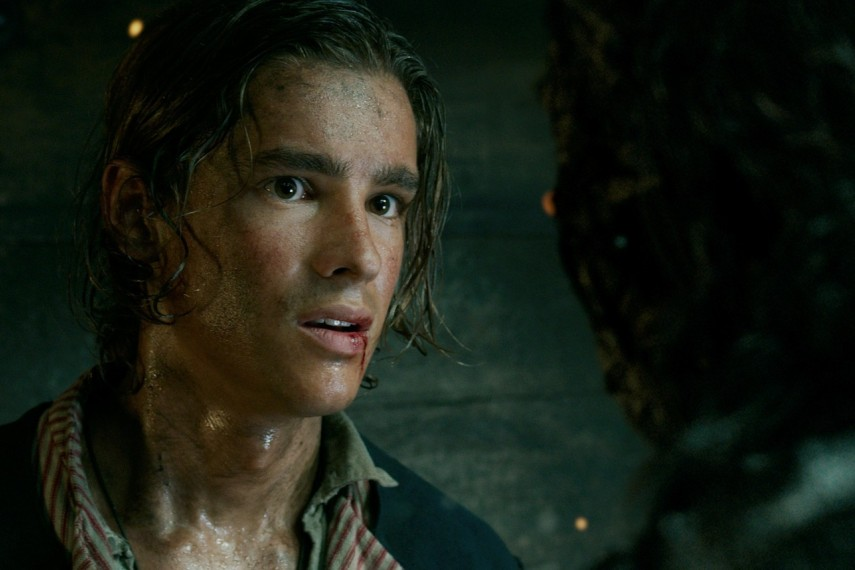 /db_data/movies/piratesofthecaribbean5/scen/l/410_04_-_Henry_Brenton_Thwaites.jpg