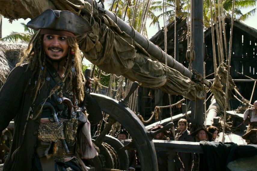 /db_data/movies/piratesofthecaribbean5/scen/l/410_06_-_Captain_Jack_Sparrow_.jpg