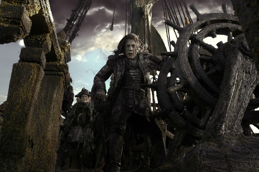 /db_data/movies/piratesofthecaribbean5/scen/l/410_10_-_Captain_Salazar_Javier_Bardem.jpg