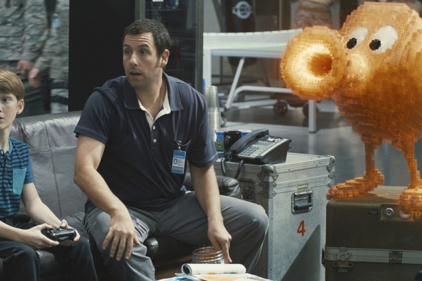/db_data/movies/pixels/scen/l/410_06__Sam_Brenner_Adam_Sandler.jpg