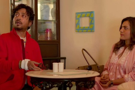 Parvathy-And-Irrfan-Khan-In-Mo.jpg